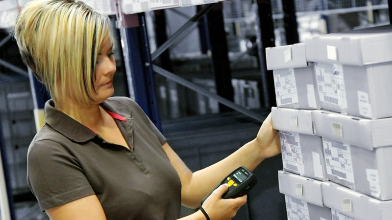 Scanning serial numbers for inventory management